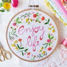ערכת רקמה- Enjoy life